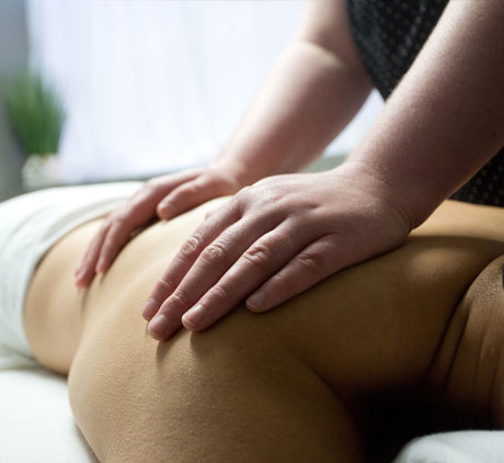 massage hands on back